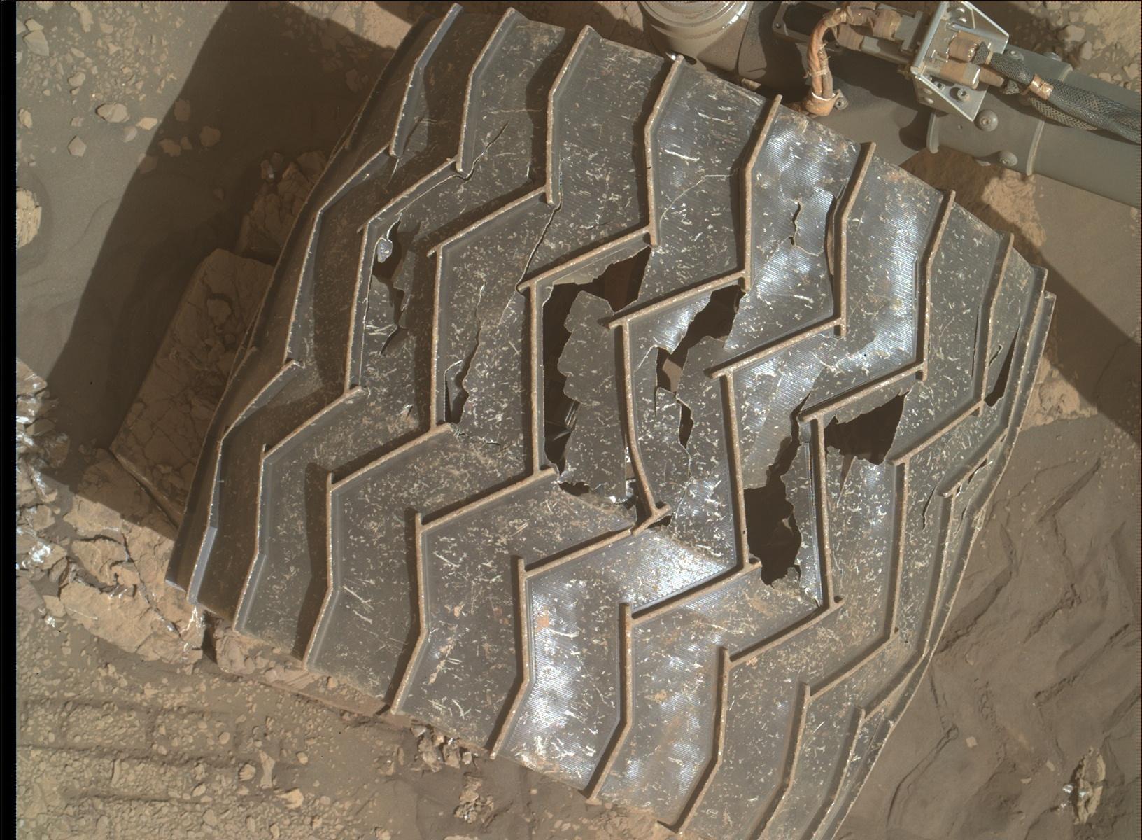 MARS: CURIOSITY u krateru  GALE Vol II. - Page 44 2459MH0007700010902109E01_DXXX